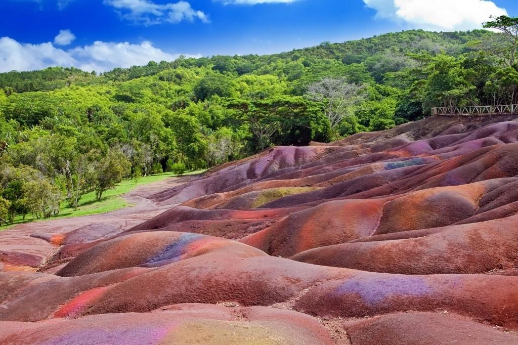 زمین هفت رنگ موریس