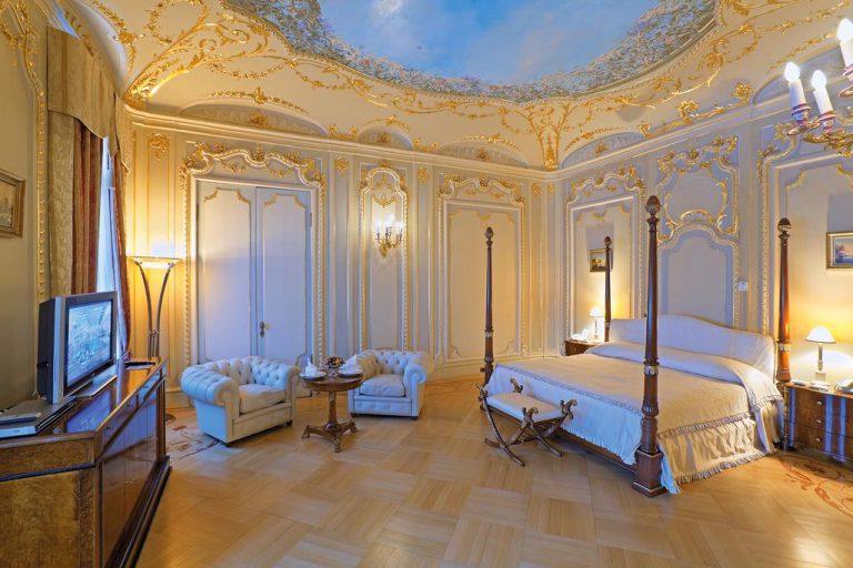 هتل تالئون ایمپریال سنت پترزبورگ