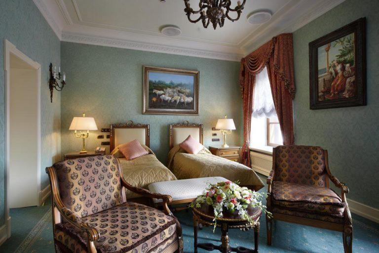 هتل تالئون سنت پترزبورگ