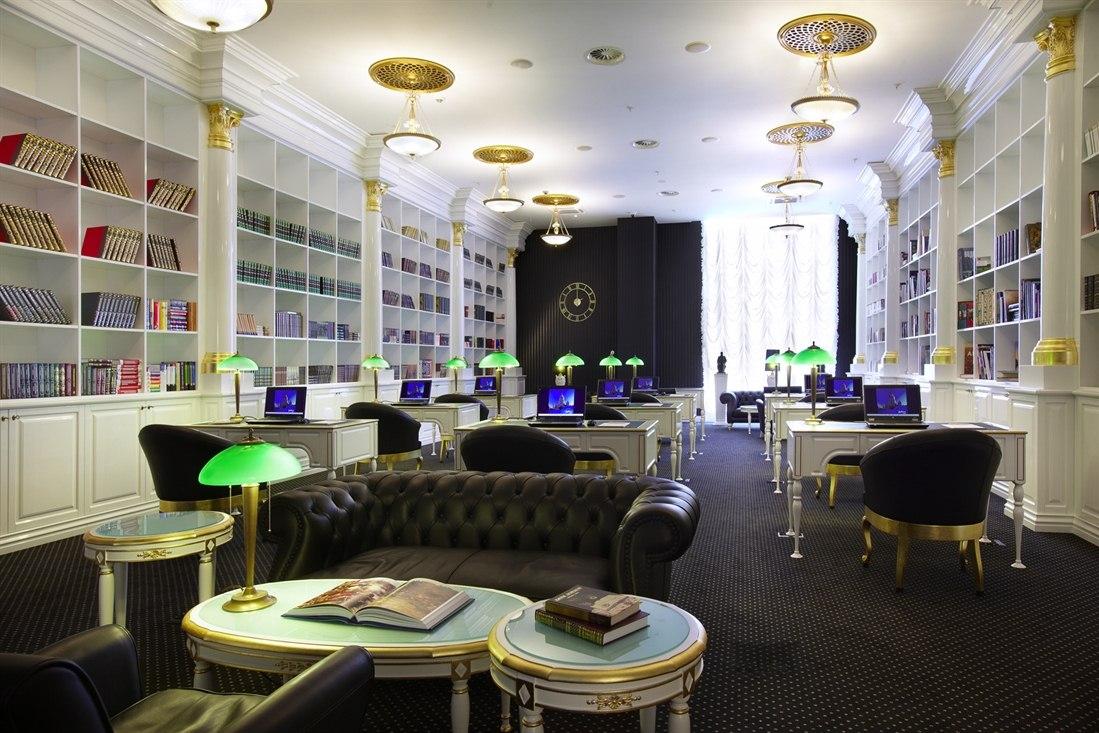 کتابخانه هتل رادیسون رویال شهر مسکو
