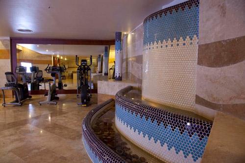 باشگاه بدنسازی هتل مارینا پارک کیش