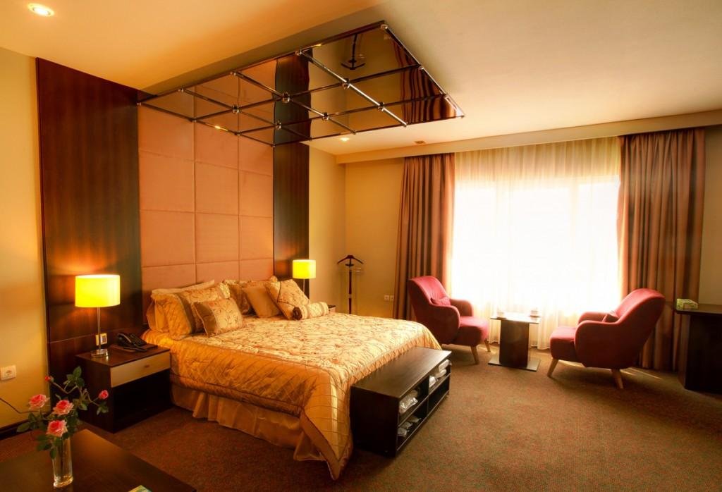 عکس از اتاق های هتل ایران