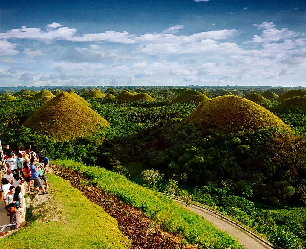 تپه های شکلاتی بهل فیلیپین