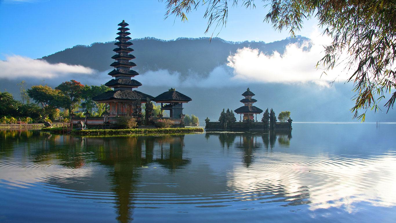 تور 4 شب کوالالامپور و 4 شب بالی