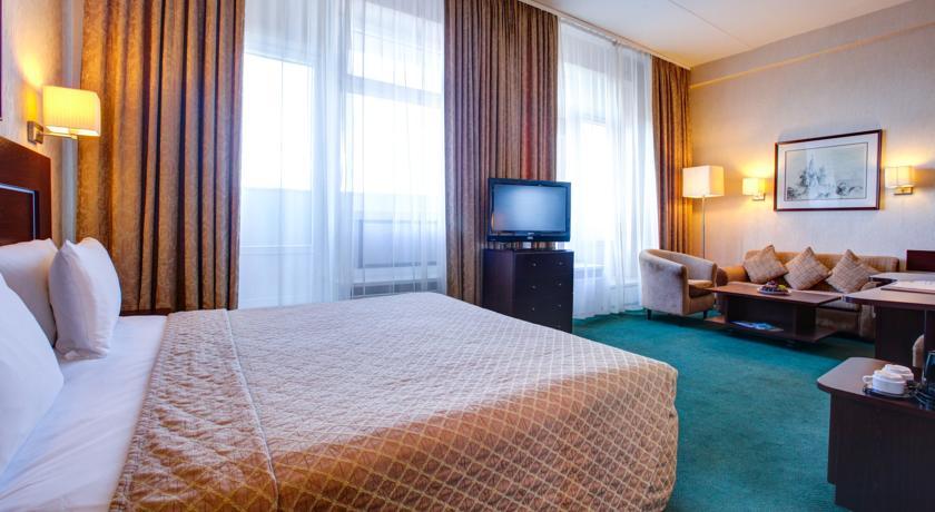 هتل آئرو استار