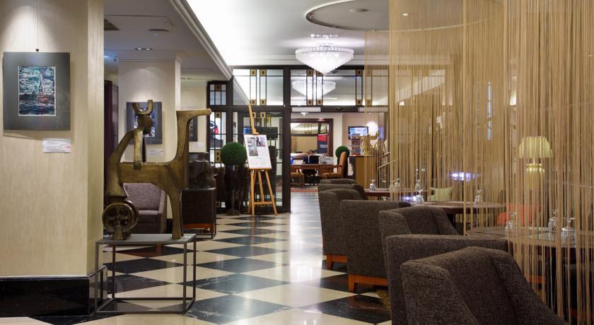 هتل سولو سوکوز واسیلوفسکی