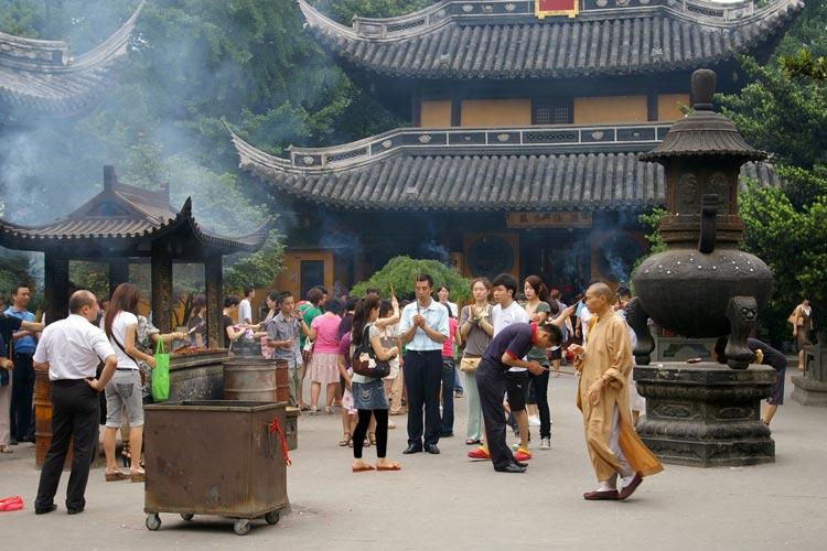 Longhuaمعبد