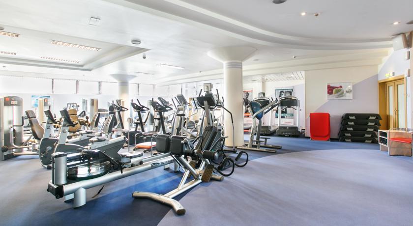 سالن بدنسازی هتل آزیموت المپیک