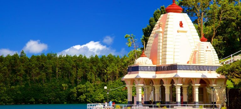 دریاچه گانگا تالائو موریس | معبد هندو های گرند باسین موریس