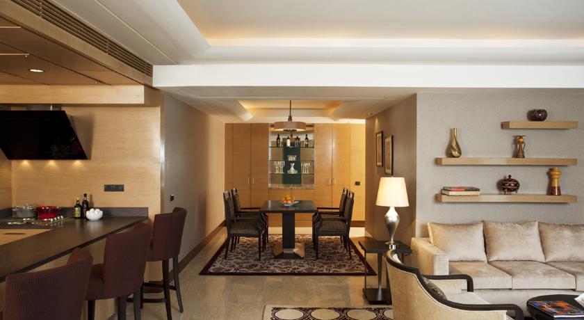 هتل لی لا آمبینس گورگاون