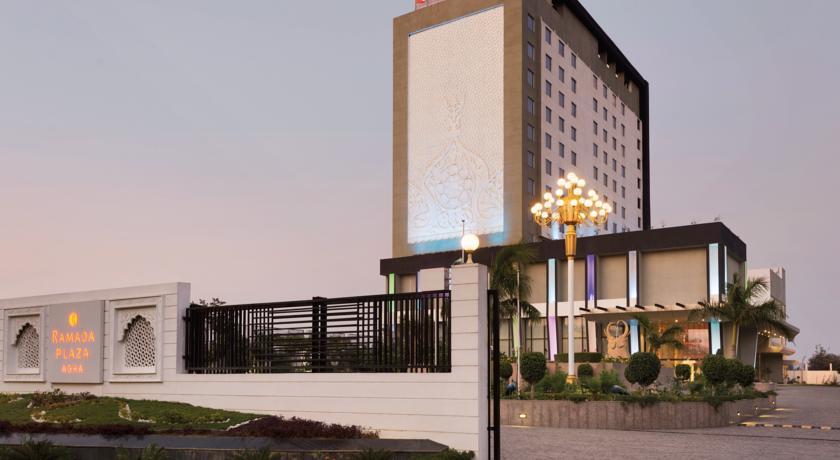هتل رامادا پلازا شهر آگرا