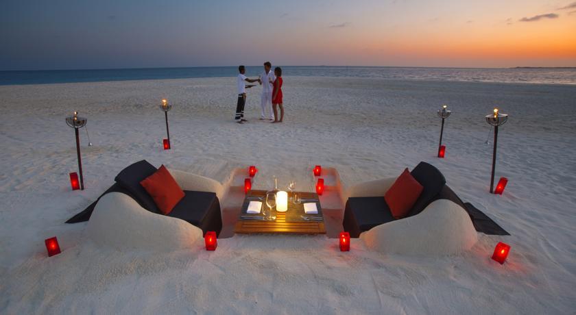 هتل VELASSARU مالدیو