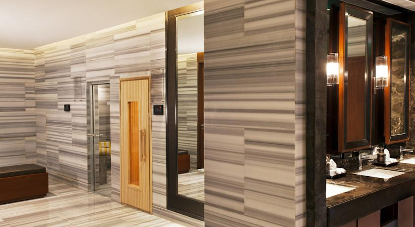 هتل 5 ستاره کرون پلازا مایور ویهار