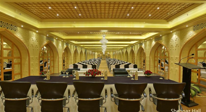 هتل کلارک شیراز آگرا