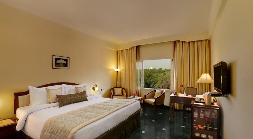 هتل کلارکز شیراز شهر آگرا
