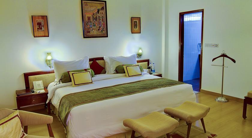 هتل کلارکز شیراز