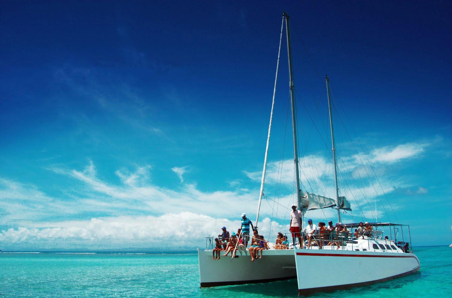 کشتی کاتاماران جزیره موریس