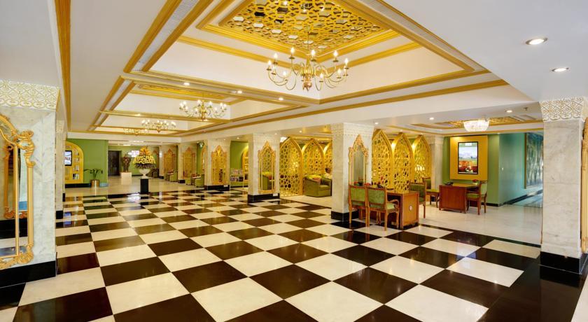 هتل 5* کلارکز شیراز آگرا