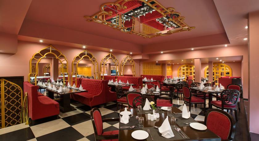 هتل کلارکز شیراز آگرا