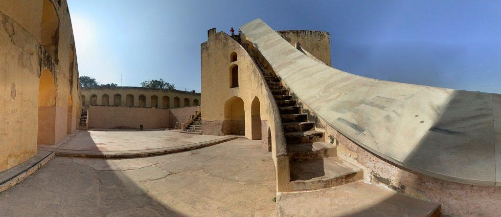 رصد خانه جنتر منتر جیپور