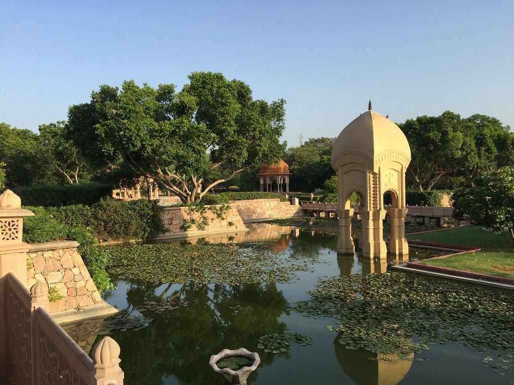 هتل ابروی راج ویلاز جیپور