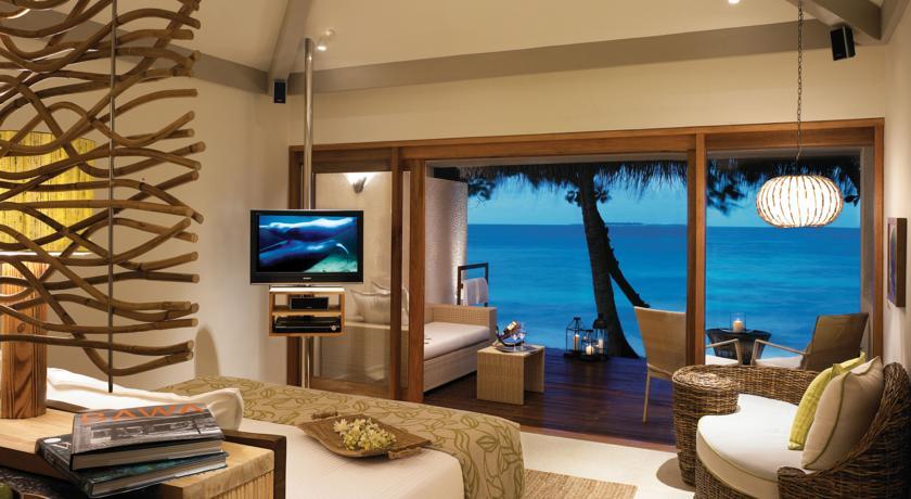 هتل 5 ستاره ویوانتا بای تاج