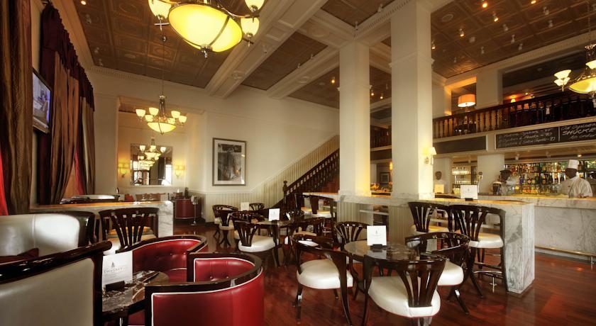 هتل پنج ستاره تاج کیپ تاون