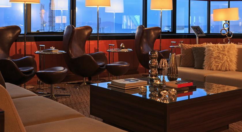 لابی هتل رنسانس برزیل