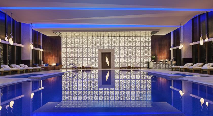 استخر سرپوشیده هتل ماریوت باکو