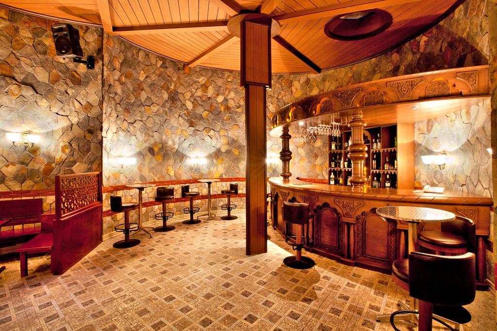 هتل 4 ستاره شاه پالاس باکو