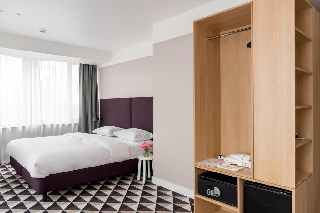 هتل آزیموت اسمولنسکایا
