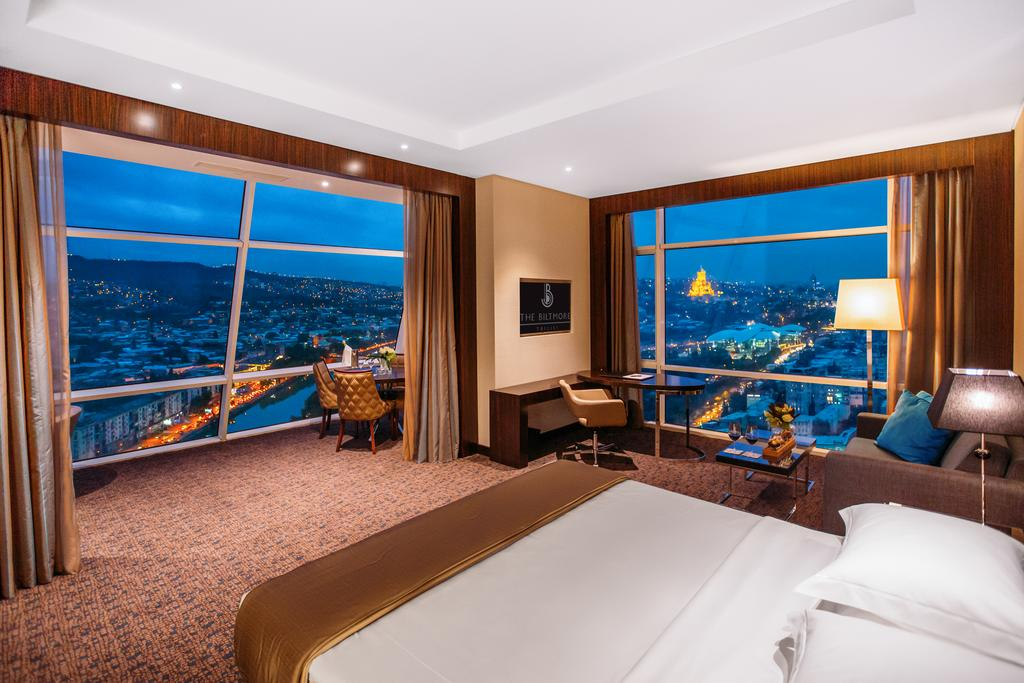 هتل بیلتمور تفلیس گرجستان