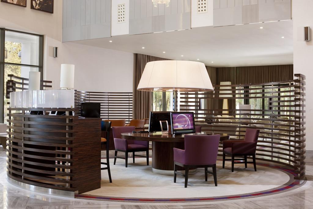 نمای داخلی هتل شرایتونگرجستان