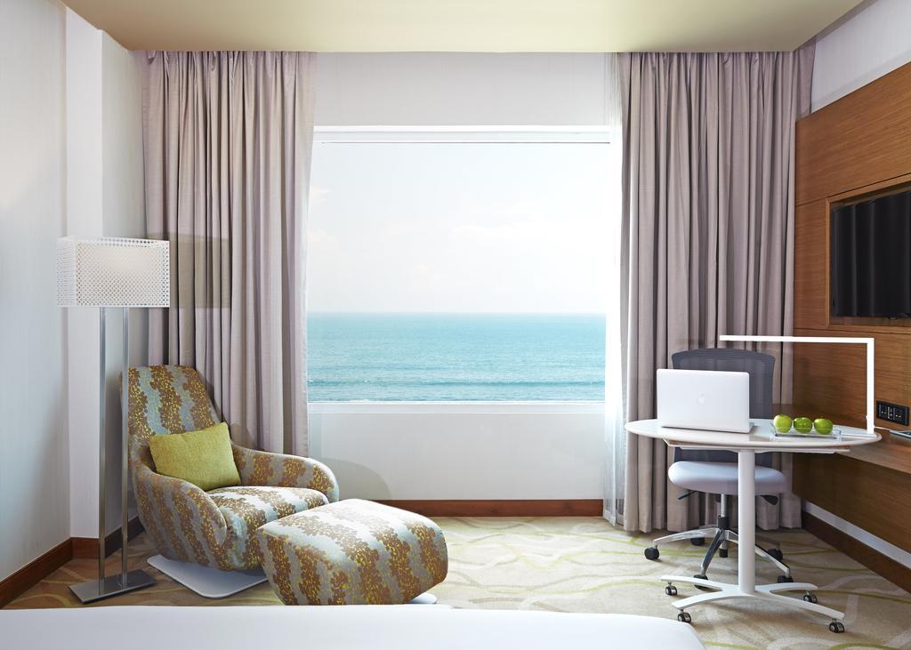 منظره زیبای دریا از داخل اتاقهای هتل اوزو کلمبو
