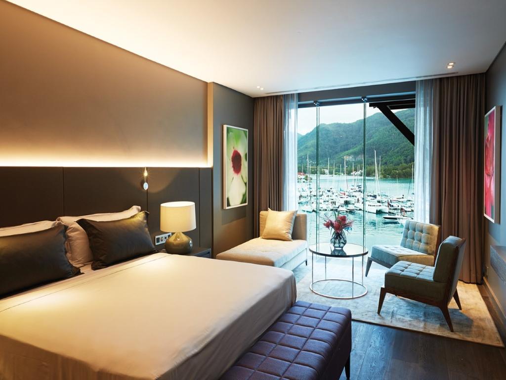 چشم انداز هتل اِدِن بلو ریزورت