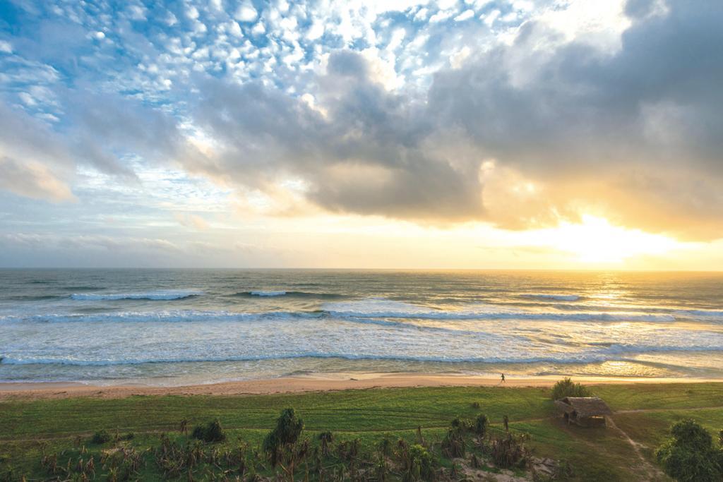 ساحل زیبای آهونگالا در سریلانکا