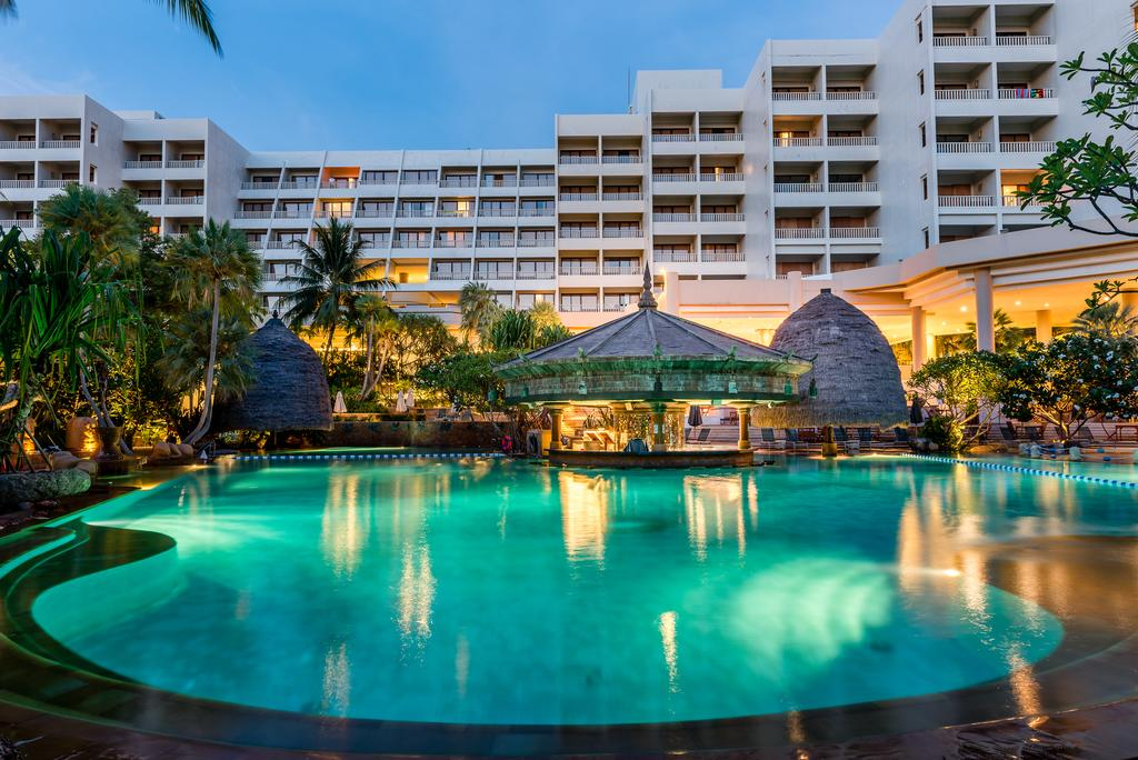 Photo of هتل مووِنپیک ریزورت پوکت ۵ ستاره ساحلی ساحل کارُن