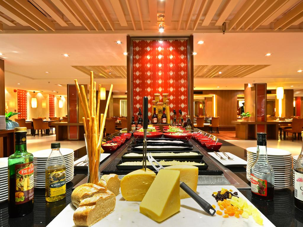 رستورانهای هتل سوییس اوتل