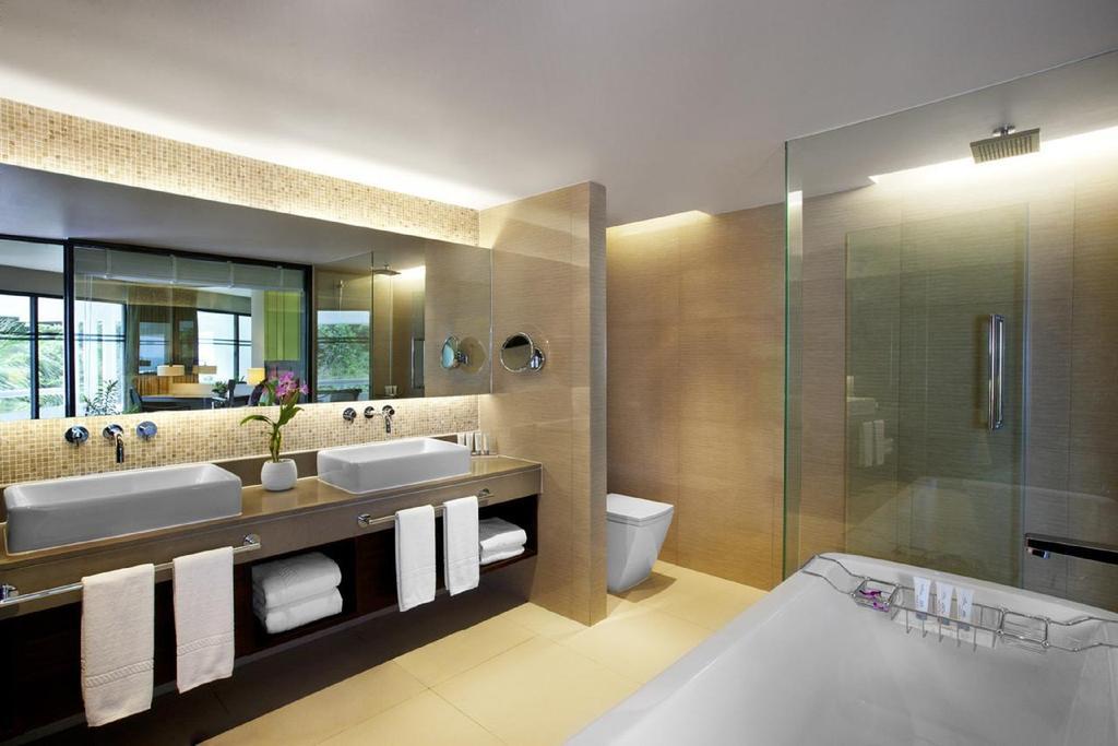 نمای داخلی هتل لمریدین