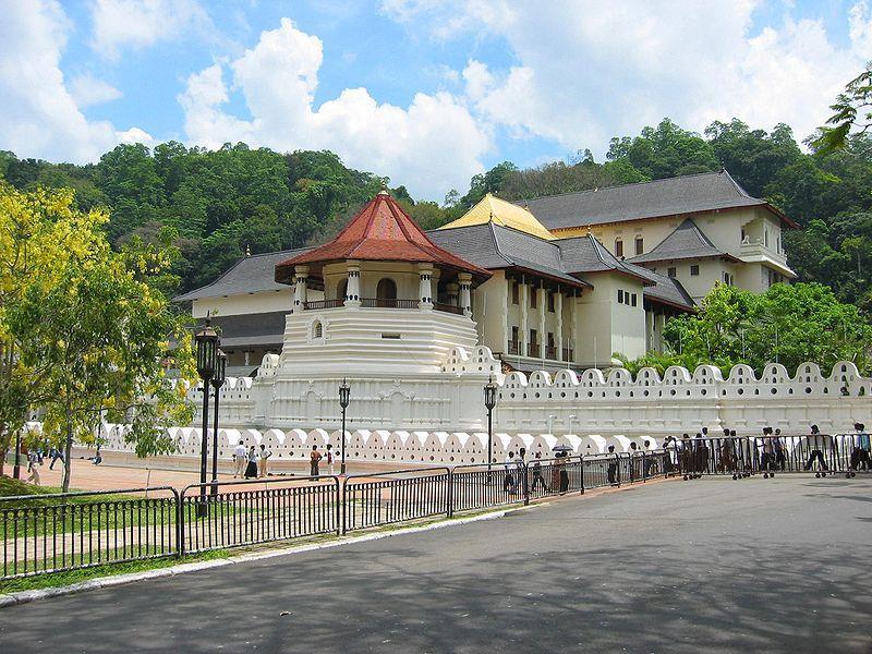 معبد مقدس دندان بودا کندی، سریلانکا