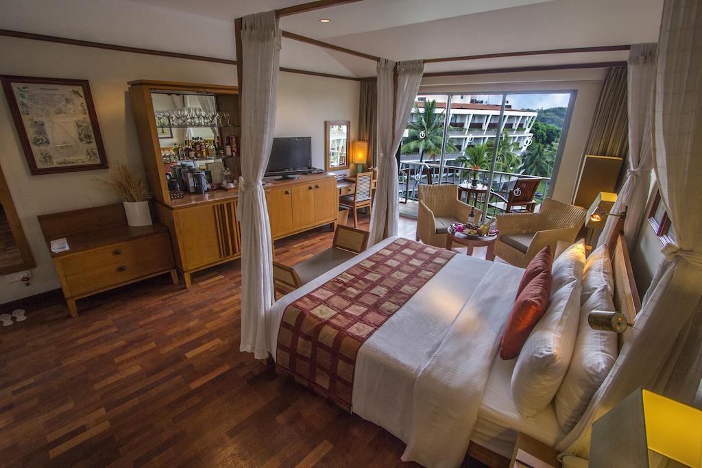 فضای داخلی هتل ادن ریزورت