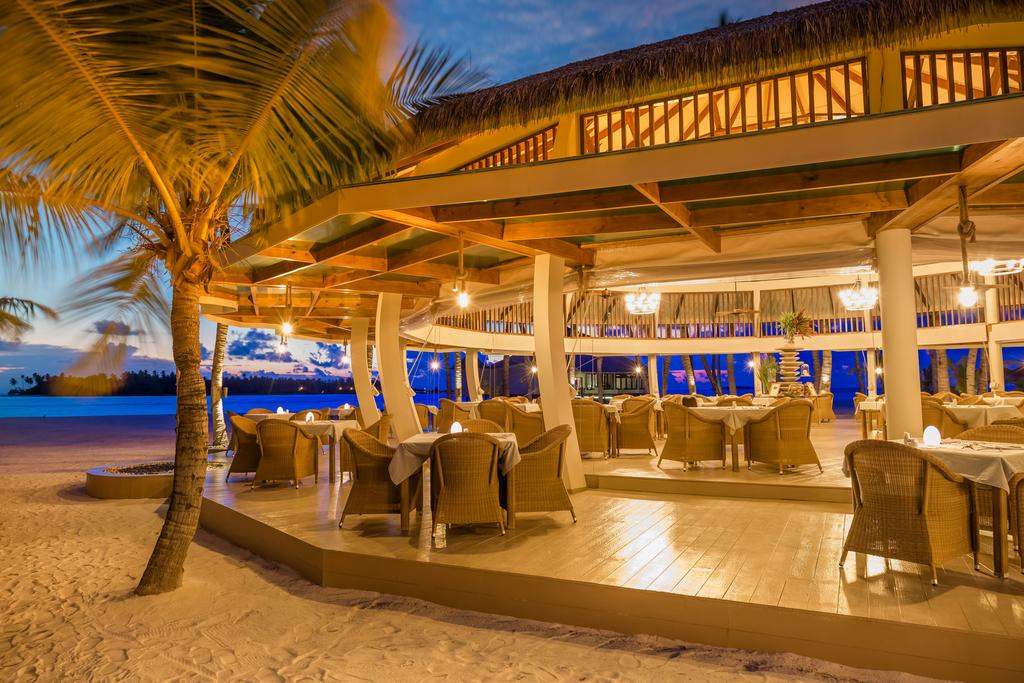رستوران ساحلی هتل کیها