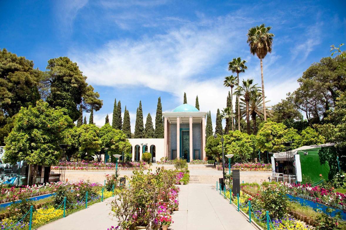 تور ترکیبی کاشان و اصفهان و شیراز و یزد