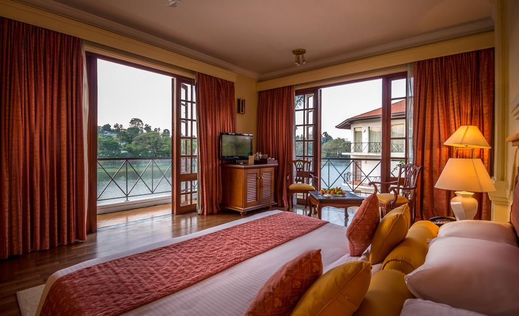 نمای داخلی هتل ماهاوالی