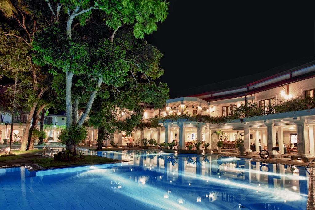 نمای خارجی هتل ماهاوالی
