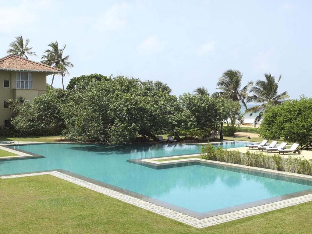 حیاط هتل هریتانس آهونگالا