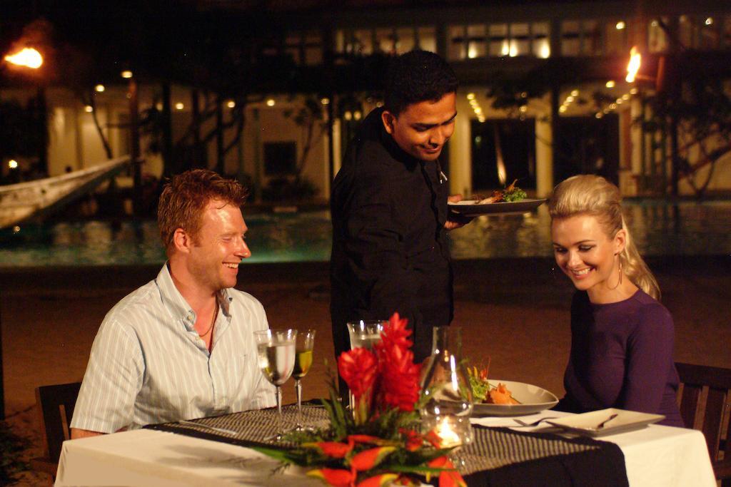 رستوران هتل هریتانس آهونگالا