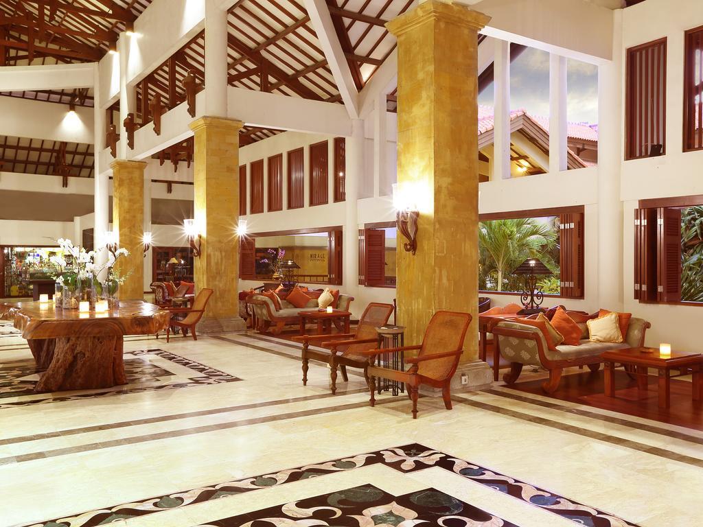 فضای داخلی هتل گرند میریج