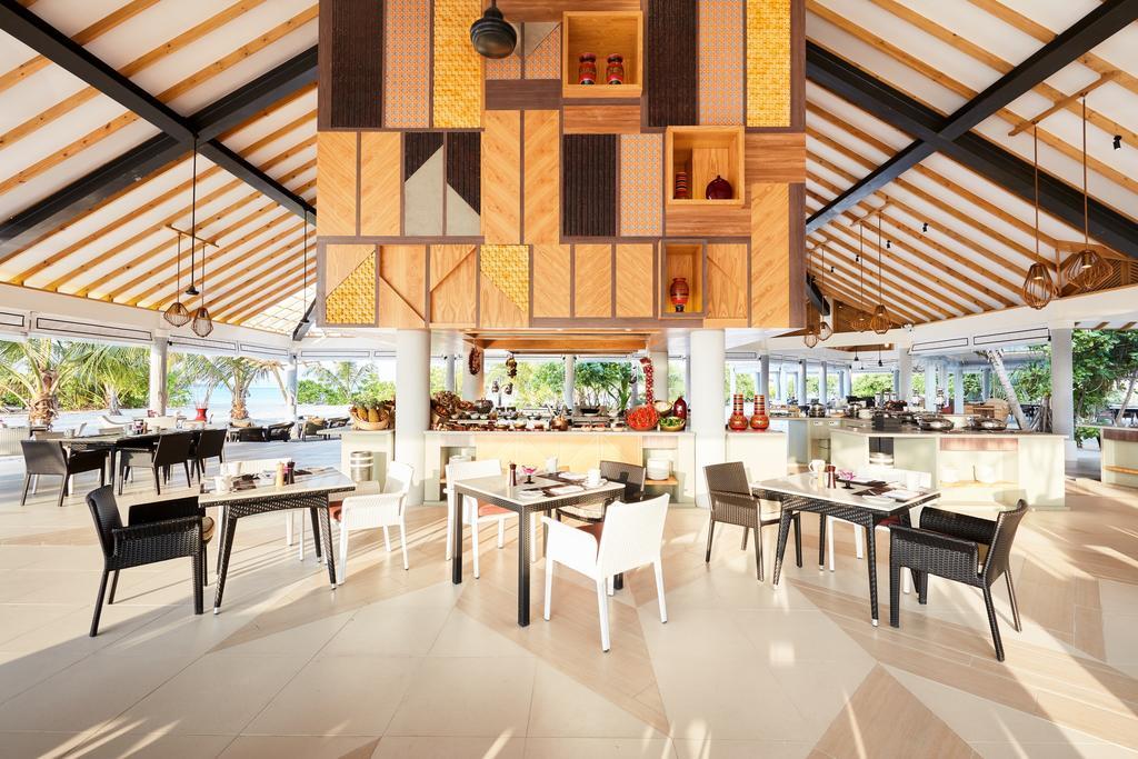 نمای داخلی رستوران هتل آماری هاوودا