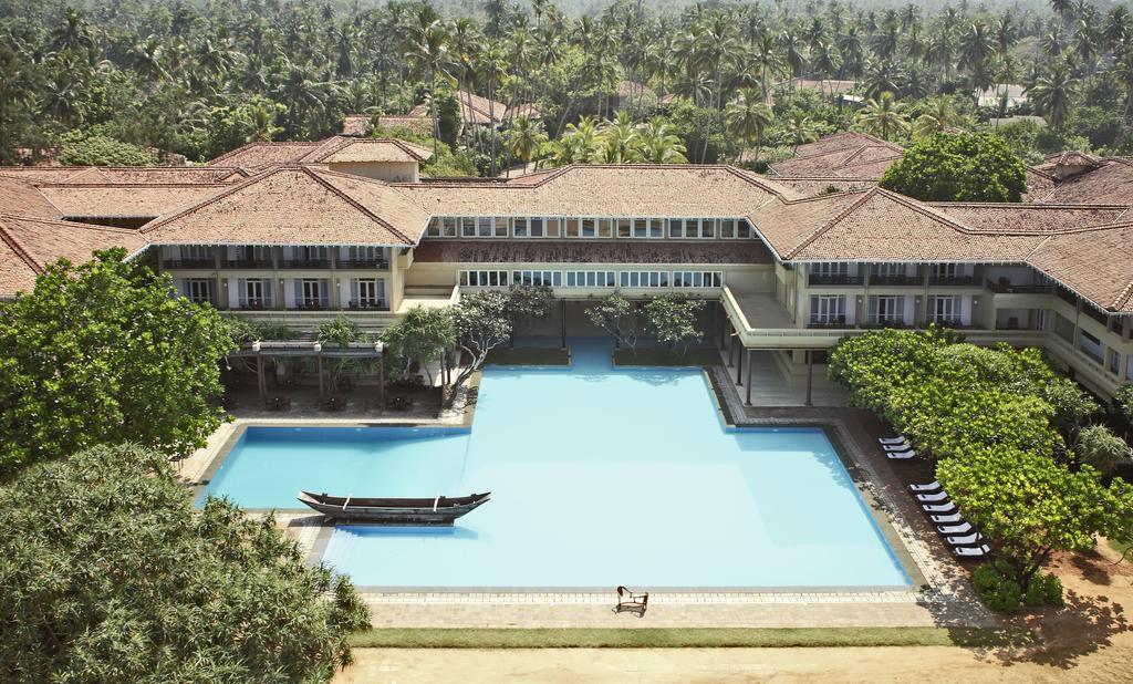 فضای باز هتل هریتانس آهونگالا